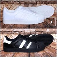 Flache HERREN LOW CUT 2 STRIPE Sportschuhe / Sneakers