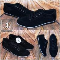 Sportlich Elegante HERREN Schuhe / Sneakers / Sportschuhe SCHWARZ