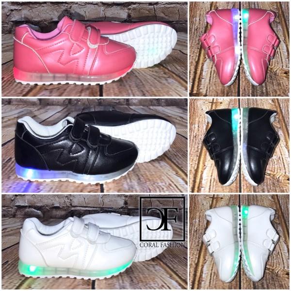 KINDER Klett Sportschuhe / Sneakers mit BLINKLICHT