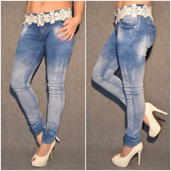 SEXY Jeans mit BLUMEN Bordüre am Bund BLAU / weiß