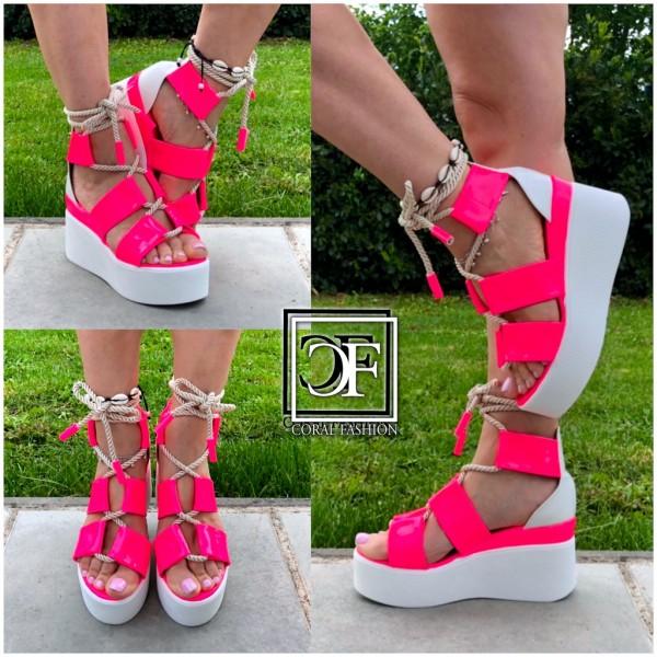 Damen HIGH FASHION Plateau Keil Sandalen zum schnüren in Neon Pink
