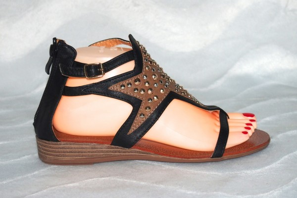 Stern Sandalen mit Nieten Schwarz