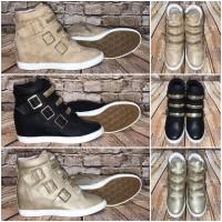 Super bequeme Keilsneakers / Sneakers mit goldenen Schnallen