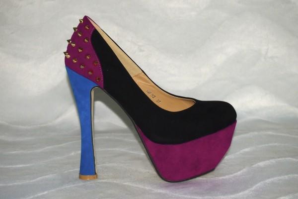 Plateau High Heels mit Nieten Dekor Schwarz/Pink/Blau