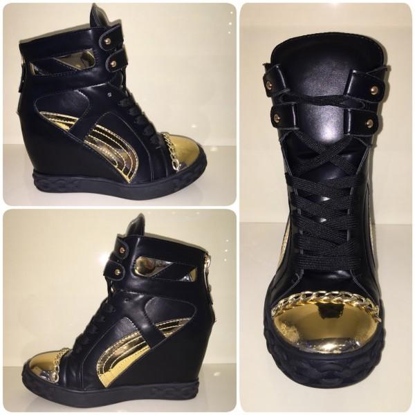 SPACIGE Keilsneakers mit goldenem Kettchen SCHWARZ / gold