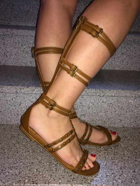 GLADIATOR Sandalen mit Nieten / CAMEL