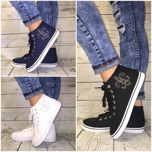 JERSEY Sneakers mit STICKEREI & weißer Sohle