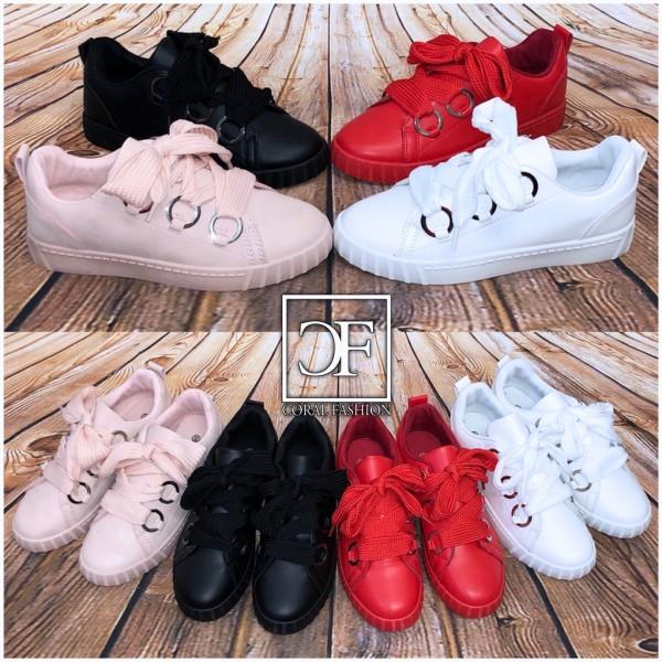 Lowcut Sneakers / Sportschuhe mit breiten Schnürsenkeln