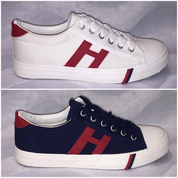 Lässige Denim Lowcut Sneakers in Tommy LOOK