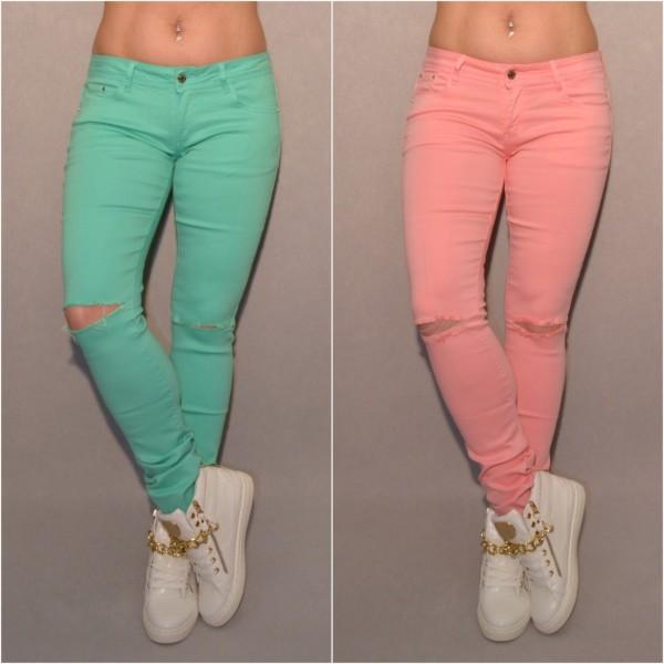 Color Destroyed stretch Jeans mit Schlitzen bei den Knien