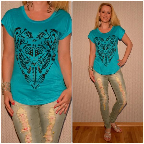 Stylisches Shirt Modell: HERZ / TOTENKOPF Print TÜRKIS