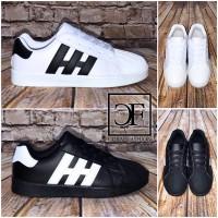 Flache HERREN LOW CUT *STRIPE Sportschuhe / Sneakers in 2 Farben