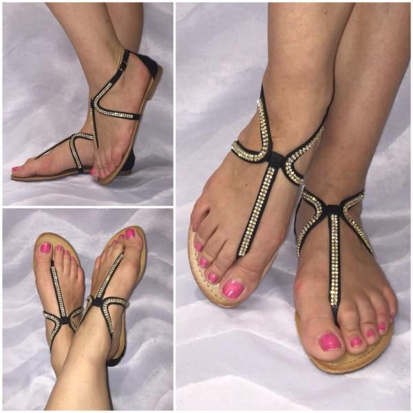 Ausgefallene Zehentrenner Sandaletten mit STRASS