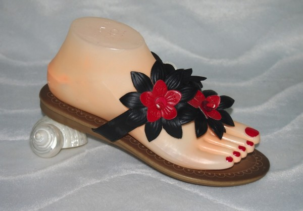 Flip Flops mit Blumen Schwarz / Rot