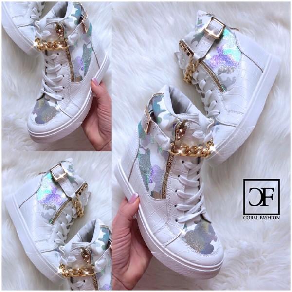 Damen ITALY Style HOLO CAMOUFLAGE Keil Sneakers mit goldener KETTE & Deko Zipp WEISS