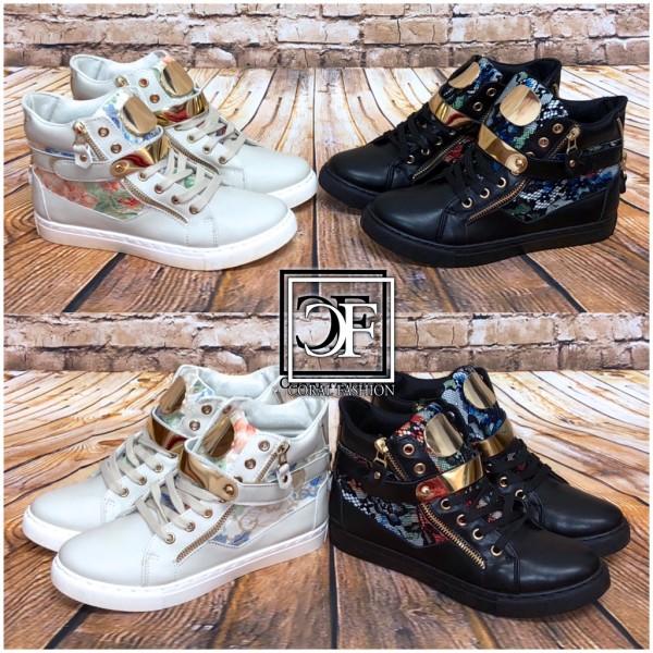 Stylische Sneakers mit siberner Dekoschnalle