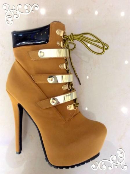 SEXY High Heels mit goldenen Schnallen CAMEL