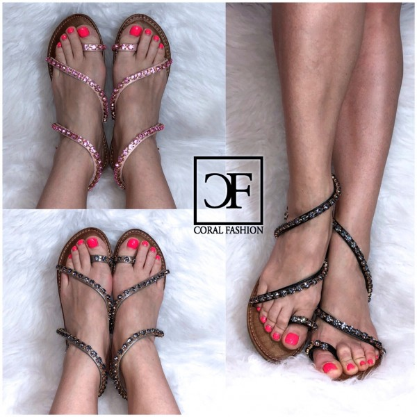 Fashion Zehenring Sandalen / Sandaletten mit ALL OVER STRASS