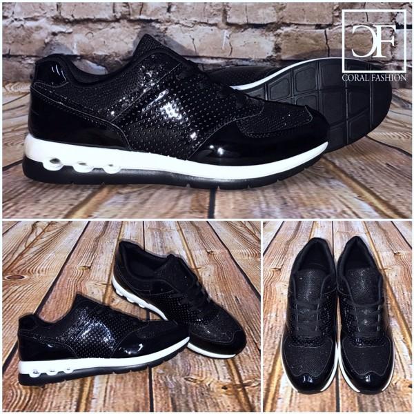 Bequeme Sneakers / Sportschuhe LACK Schwarz