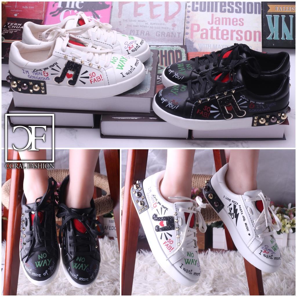 KISS ME Lowcut Sportschuhe / Sneakers mit Nieten